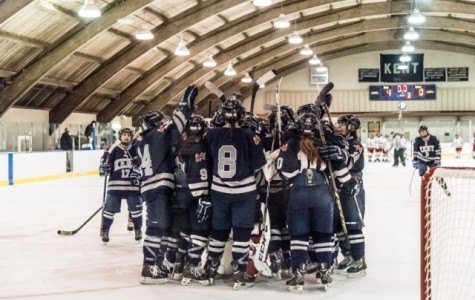 Girls Varsity Hockey dominates Lawrenceville