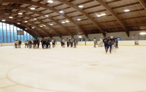 Boys JV Ice Hockey Smashes Springfield Rifles