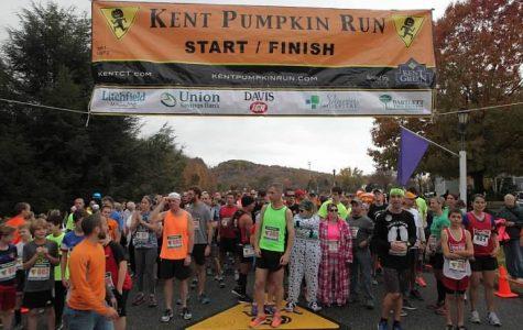 Kent School Represents at 42nd Annual Kent Pumpkin Run