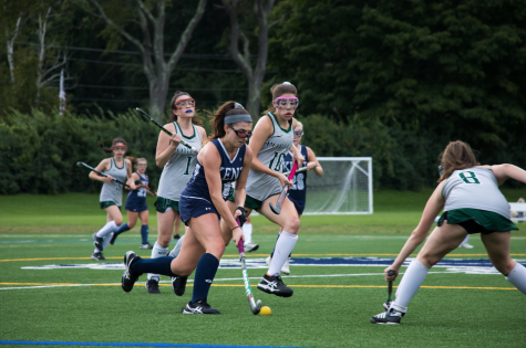 Field hockey playing with intensity