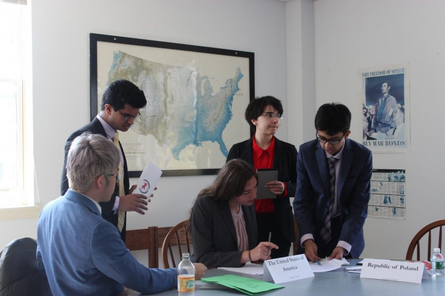 Finding Solutions to Global Problems at Third KSMUN Conference